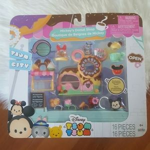 Tsum tsum mickeys donut shop set NEW IN BOX